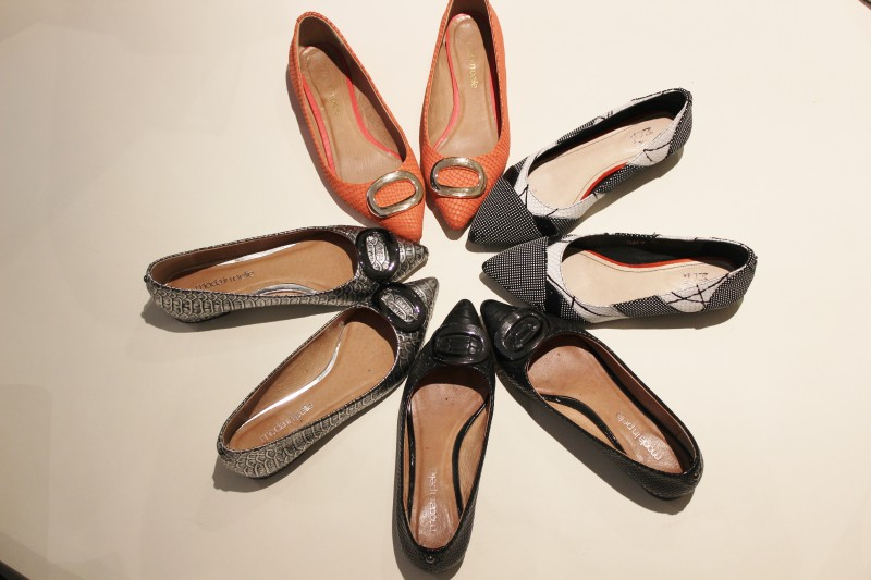 flat pointy shoes image 1