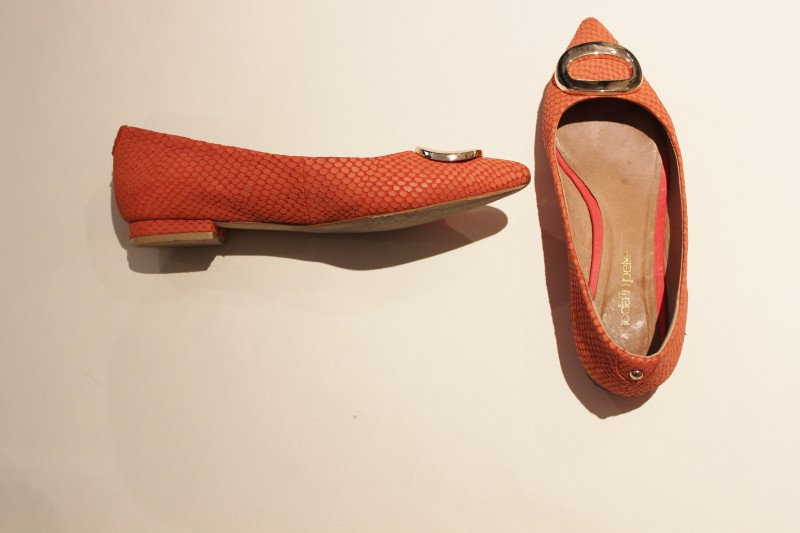 flat shoes image 1