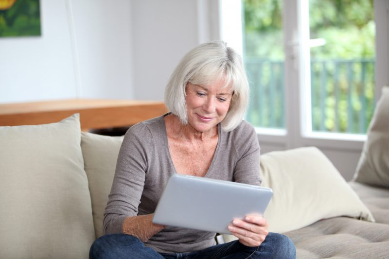 online dating after 50 Here's the thing: online dating is one of the most successful ways to find love after 40, 50, 60 and beyond if you're not dating online, you're missing wonderful opportunities to find love now's the time to find to do a little research and find the.