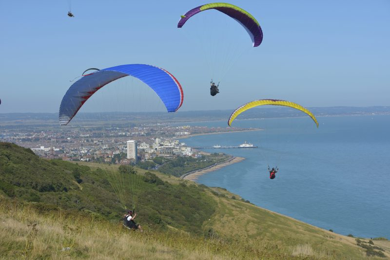 hangliding in eastbourne image