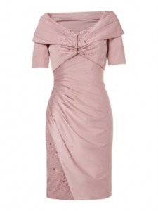 Stylish Dress For Wedding Guests In Their 50s