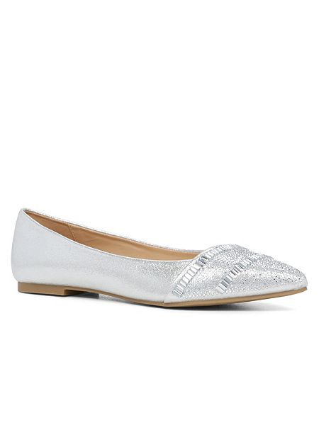 sliver pointed toe flat shoe
