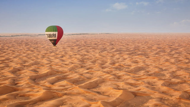 hot air balloon dubai desert image