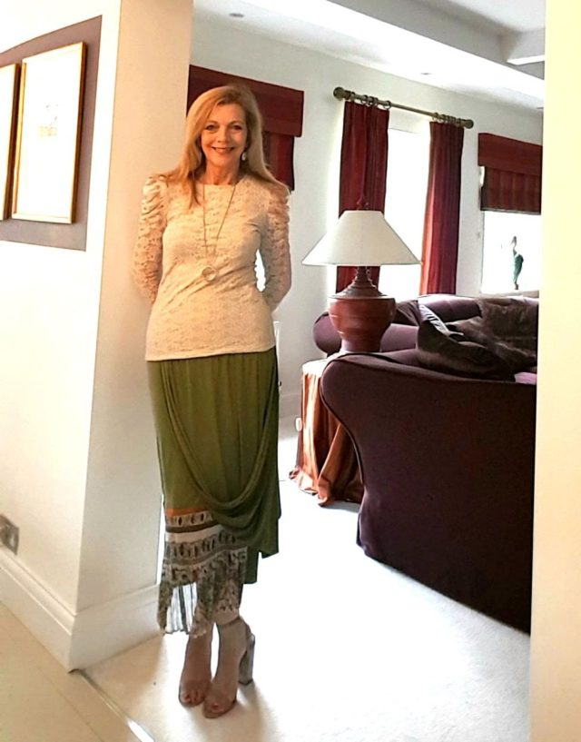 how to wear puff sleeves over 50 image 4