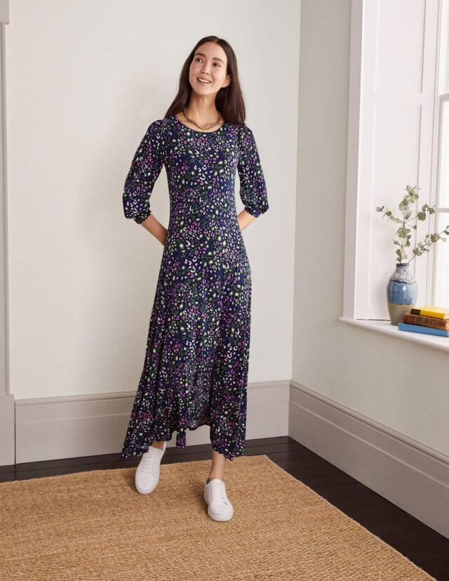 style over 50 dress with sleeves image