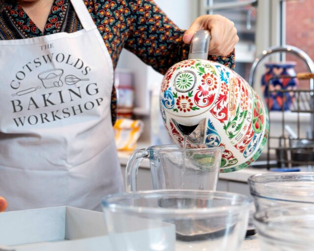 susie whitfield online baking business over 50 image