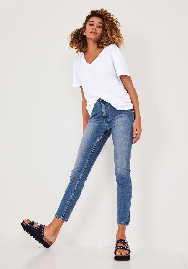 staycation style over 50 skinny jeans image